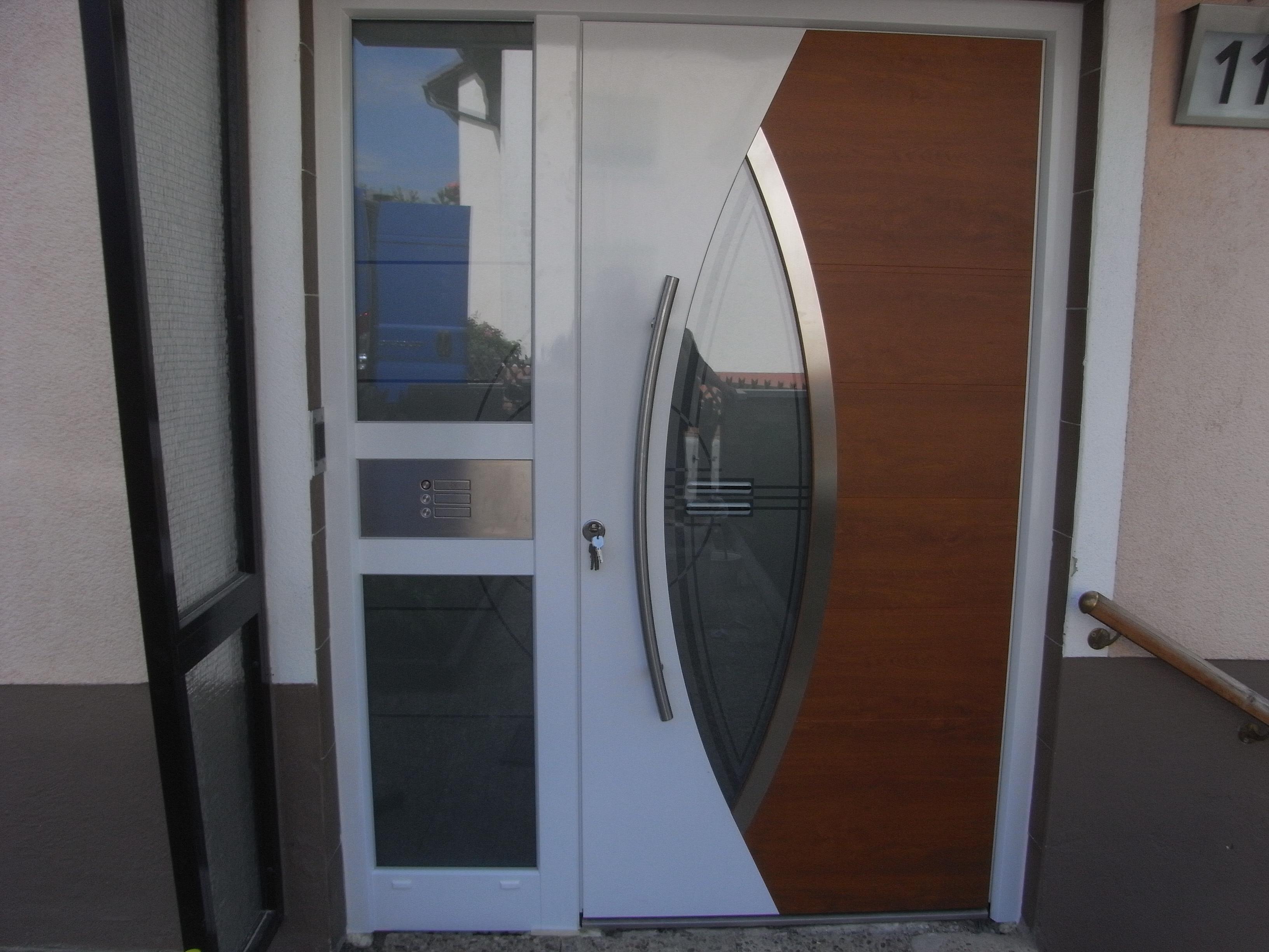 Haustüren mit seitenteil und briefkasten  Galerie - Kategorie: Haustüren - Bild: Sprechanlage mit ...